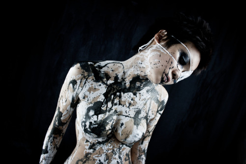 Model: 煉獄-Rengoku-Body Painter/Photographer/Photography Editor: Tensei Sugahara(菅原天齎) scene B2