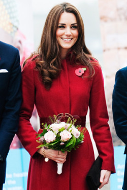Our Senior Fashion Editor Marina Larroude selects what Kate Middleton should wear for the holidays.