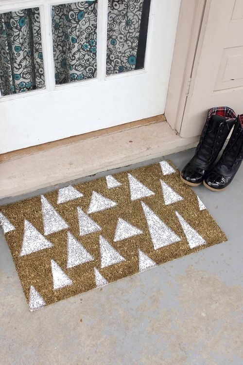 A cute holiday doormat DIY from A Beautiful Mess.