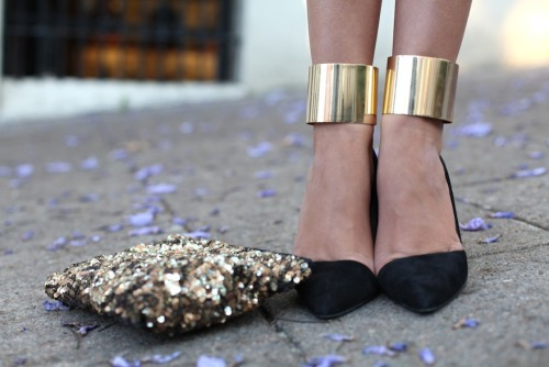 Not quite a DIY, but we love how tuula wore cuff bracelets around her ankles!