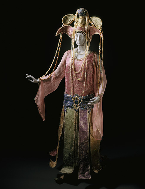 A luxurious 'Queen of Sheba' fancy dress costume designed by Mon Pascaud in 1926.
