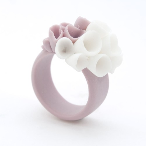 aliljazz:  Porcelain Purple Ring by MaaPstudio This Ring is amazing! The band is made with purple stained porcelain clay. posted by http://aliljazz.tumblr.com  Oh my goodness this is GORGEOUS. :)