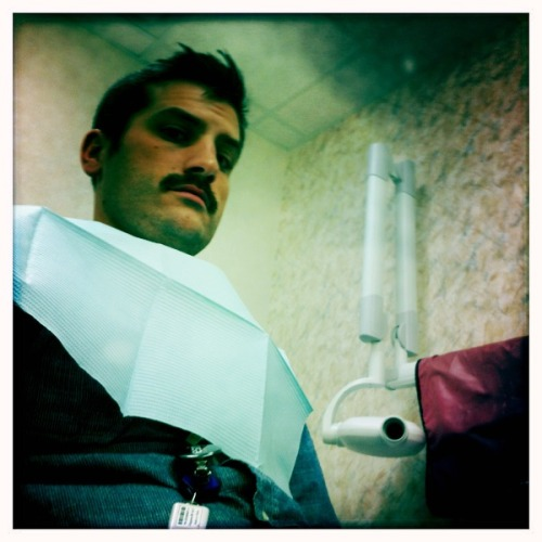 At the dentist John S Lens, Blanko Film, No Flash, Taken with Hipstamatic