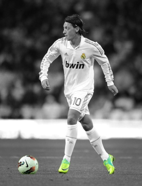 wheredopehappens:  Mesut Özil The Wizard