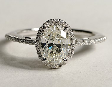 Oval-cut Diamond Ring