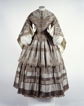 Day dress ca. 1857-60 From the Museum of London