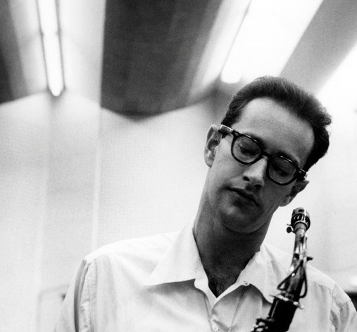 classicbluenotes:  Paul Desmond at a Los Angeles recording session, 1954. Photo by Bob Willoughby.  Having a very Paul Desmond Christmas.
