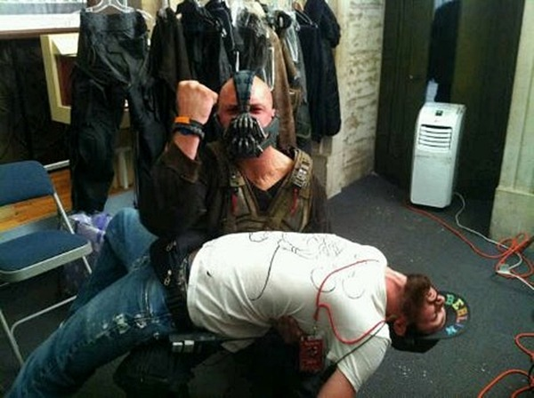tomhardyspinky:   Bane breaks AD's back…!!  (The newest photo from Tom Hardy : Source Tom Hardy dotorg)