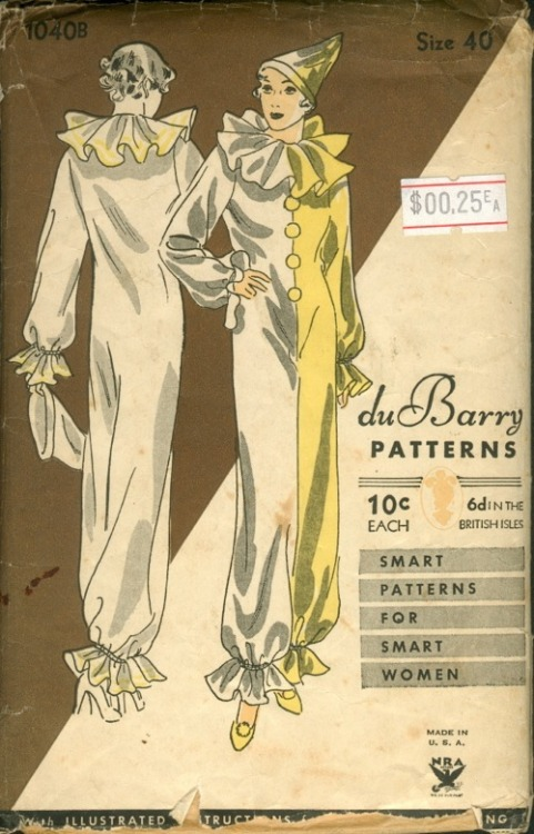 An early 1930s du Barry's pattern for a Pierrette clown costume.