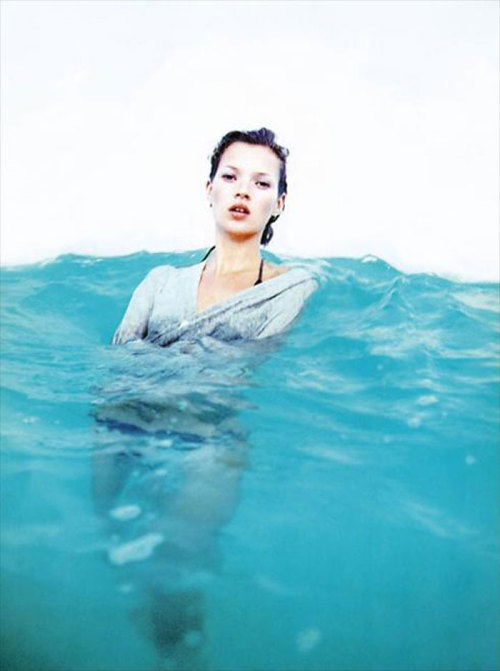 Another beautiful picture of Kate Moss. She really does get every photograph perfect.