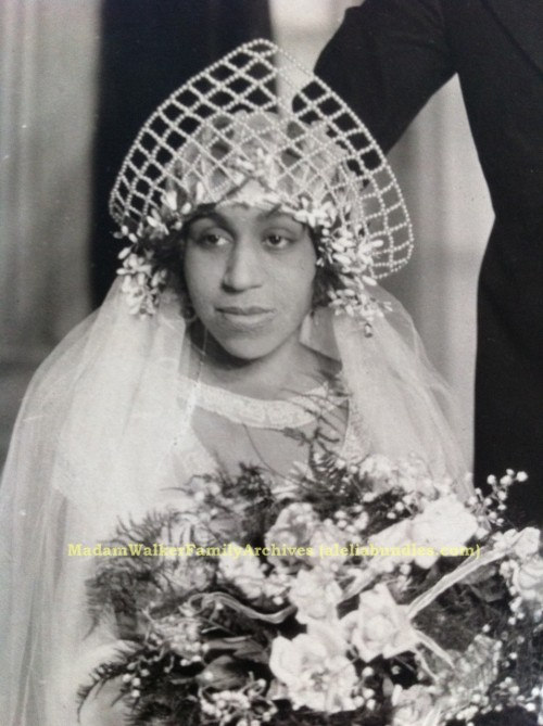 Mae Walker, granddaughter of Madam C.J. Walker, on her wedding day in Harlem, November 1923. Mae's granddaughter @AleliaBundles is writing a book about the famously opulent event (here is an excerpt, complete with great pictures) that drew guests from around the world.