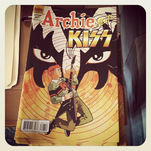 "A few links of note: ARCHIE #627 (ARCHIE MEETS KISS part 1) Finally have a chance to sit down and compile some of the great reviews and comments the book's been getting over the last few days. Really excited and thankful everyone seems to be enjoying the work Dan Parent and I put into the book. A big hat tip should go to KISS for reaching out to us and to everyone at Archie that had a hand in getting the book done — especially Jon Goldwater, Mike Pellerito, Victor Gorelick, Stephen Oswald, Steven Scott, Suzannah Rowntree, Ellen Leonforte, Bill Horan, Harold Bucholz, Debbie Monserrate, Jamie Rotante, Jon Gray, Paul Kaminski, Vintern Lovallo, inker Rich Koslowski, cover guru Tito Pena, letterer supreme Jack Morelli and the colorists at Digikore. I can't say enough about my colleagues at Archie, who were invaluable with feedback, suggestions and support while this was coming together. Why was I writing this blog again? Oh, right. Reviews. And more. As I posted earlier, CBR's got an interview with Gene and Paul about the series, and it's so much fun to watch. Dan and I were in the background as this was being filmed. Very cool stuff. Thanks to Jonah Weiland and his crew for taking the time to talk before the signing. CNN's GEEKOUT blog kicked things off Wednesday with a nice mention, including the book in their weekly roundup of titles to buy, calling #627 ""a fun book"" and noting that ""it left me wanting to know what happens next."" Alright! BIG SHINY ROBOT notes that ""the awesomeness dial is turned up to 11!"" with the issue. They also very kindly suggest I write more. Well, there are three more of these on the way! Thanks, gents. Iann Robinson, writing for CRAVE ONLINE, calls the issue ""pretty frickin' cool"" and that ""you'll be amped by Archie #627!"" Thanks, dude! The COMIC VINE crew very generously gave the issue five stars out of five, and had this to say: ""The issue was a ton of fun and kept me smiling from the first to last page."" Elisabeth and the rest of the TFAW crew also had nice things to say in this video interview.  The iFanboy posse gave props to variant cover artist Francesco Francavilla, including his work in their regular ""The Best of the Week in Covers"" feature. Brigid Alverson gives the issue a quick plug as part of CBR/Robot 6's ""Food or Comics?"" feature. They can't all be winners, though, as IGN gave us a bit of a middling review. Still, they had some nice things to say, calling the issue ""silly fun"" and, when discussing Francesco's variant, that ""Archie has never rocked harder."" I'll take it. Thanks for reading! Also worth noting, KOTAKU included #627 in their weekly comics roundup, courtesy of Stephen Totillo and the always cool Evan Narcisse.  And a big thanks to MTV Geek's Alex Zalben, not just for calling me ""delightful"" — the check's in the mail, sir — but for calling the issue ""essential reading."" Good stuff. Not a review, but related: L.A.-based comedian Corey Blake attended the Golden Apple signing on Wednesday night and had a few insightful comments. Thanks for coming, Corey! More as it happens…"