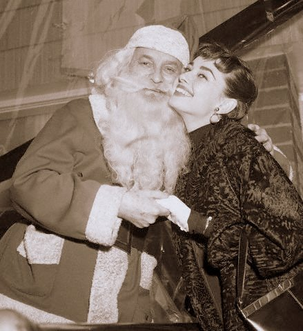 maudelynn:  Audrey and Santa