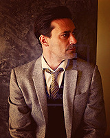 truesouls:  (asked by anonymous) 9 Favorite Pictures : Jon Hamm (::::)