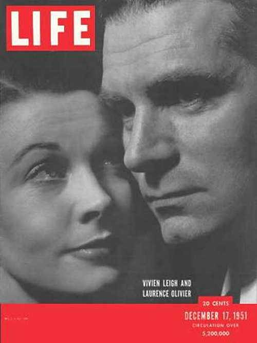 theniftyfifties:  Vivien Leigh and Laurence Olivier on the cover of Life magazine, December 1951.  This one gets to me.