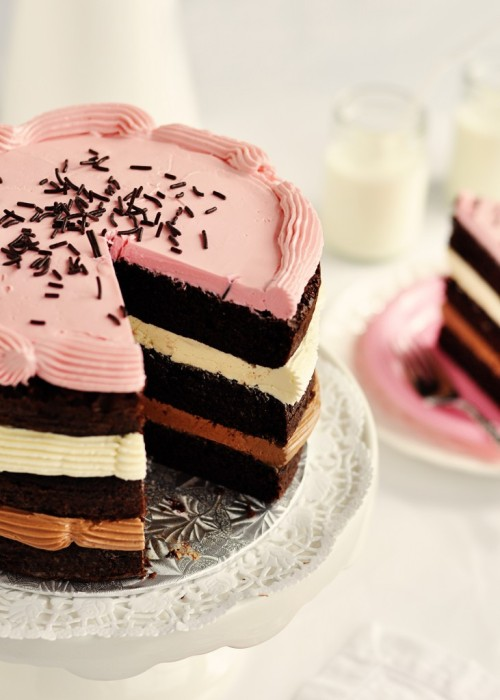 classymissmolassy:  Inside-out Neapolitan Layer Cake Recipe.