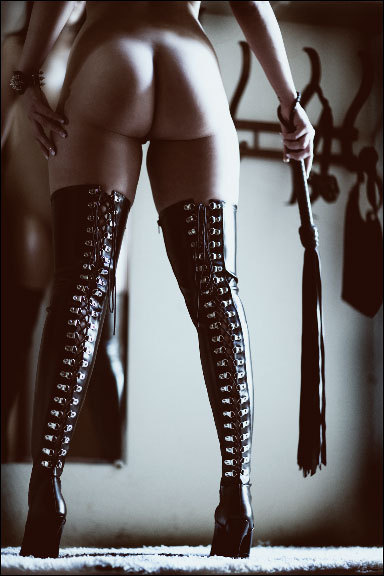 dick-n-jane:  Erotica for Couples  damn. nice boots. and her ass is magnificent too ofcourse.
