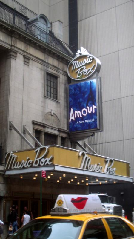 Music Box Theatre: Amour (2002)