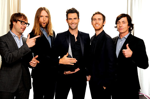 MAROON FIVE @ THE AMA'S! I LOVE THESE GUYS!