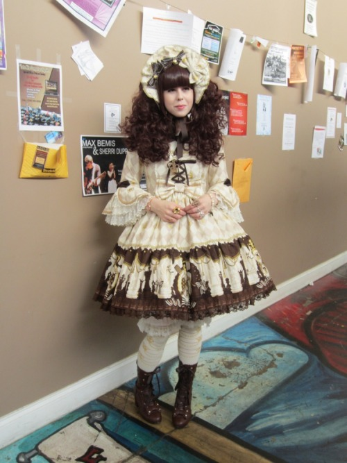 shidonii:  icicle-tea:  sugarypinkcupcake:  Lolita Day coord, worn today for our local meet-up! :)  Beautiful *_*   Yay~! It's Mary! I love finding my friends on my dashboard! ❤