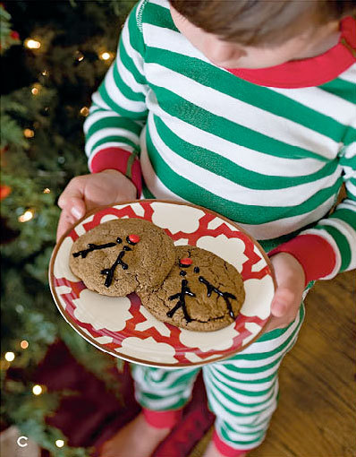 athomewithwillowhouse:  Cookies for Santa…served on a gorgeous Portico Accent Plate!via athomewithwillowhouse View Catalog