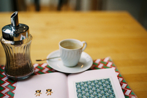 threecups:  untitled by Sarita Lolita on Flickr.