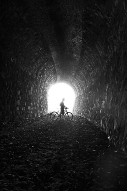 El túnel y el ciclista  by Adrian Santarrosa R. on Flickr.
