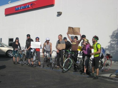 occupy sd bike riders. aha.. I think these might have been the guys I saw cycling a block ahead of me on Friday east on University Ave. a group of riders! of course I wanna join! but was headed to downtown so had to turn right :/ also read: Occupy San Diego Riders: Cavalry Arm of Occupation. sdreader, 29.11.11.
