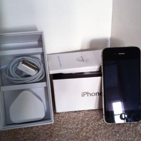 sharllot483:  APPLE IPHONE 4S (LATEST MODEL) - 64GB AWAY!! Got a few of them, I selled many but I kept this one for a give away on tumblr ^^ Everyone has a chance!! I will announce the winner after New Year's Eve on my blog, and I will also message you so you don't miss it! ;) HOW TO ENTER: Just follow me (the source - www.sharllot483.tumblr.com) Reblog (the source - www.sharllot483.tumblr.com) and that would be it! :) Thank you, and GOOD LUCK to everyone! ^^