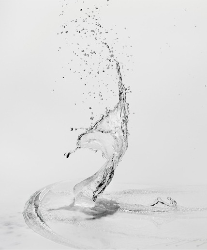 beauty-as-standard:  Water sculpture by Shinichi Maruyama  Belle vague