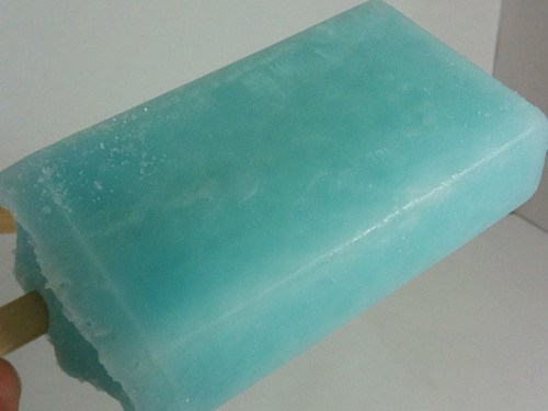 tumbl-ytho:  umbraserpens:  chloelanton:  (via imgTumble)  Sea-salt Ice Cream  2 eggs2 cups milk1/3 cup sugar1 teaspoon vanilla1 cup. heavy whipping creamSea salt to taste 1. Separate the eggs into two good sized bowls.2. Beat the egg whites until stiff.3. Mix the egg yolks and sugar until thick.4. Slowly bring milk to boil over medium heat, stirring occasionally.5. Pour hot milk into yolk/sugar mixture and mix well.6. Pour milk/yolk/sugar mixture back into pot and heat on medium until thicker to make a custard (DO NOT BOIL)7. Pour custard in with beaten egg whites and mix well.8. Add sea salt (keep adding salt until it tastes salty sweet)9. Allow mixture to cool.10. Once cool, add cream and vanilla to mixture.11. Freeze-Add blue dye for authenticity-  I made this once and it was amazing. I'm going to have to do it again.