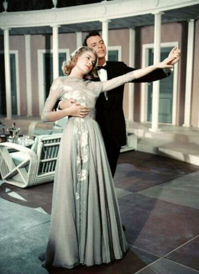 thefilmcanister:  Grace Kelly and Frank Sinatra looking lovely in High Society.