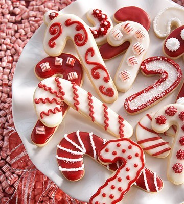 Candy Cane Sugar Cookies ~ Festive and pretty, these buttery Christmas cookies make perfect treats. Yum!