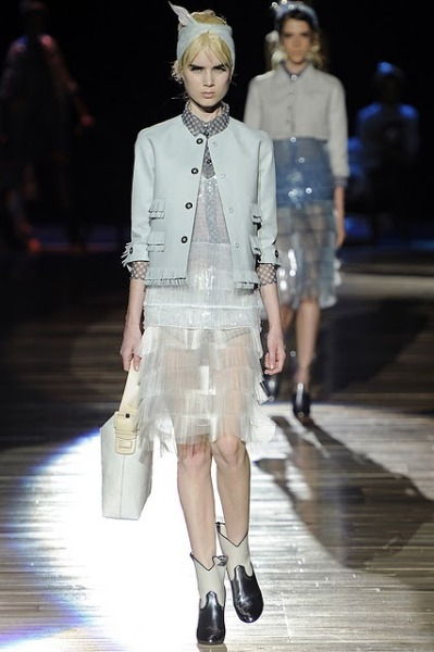 I'm really into the icey-ness of this Marc Jacobs' RTW SS2012 look.  Photo via style.com.