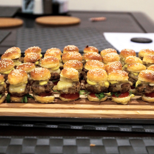leetakeuchi:  Mini Burgers with White Truffle Sabayon