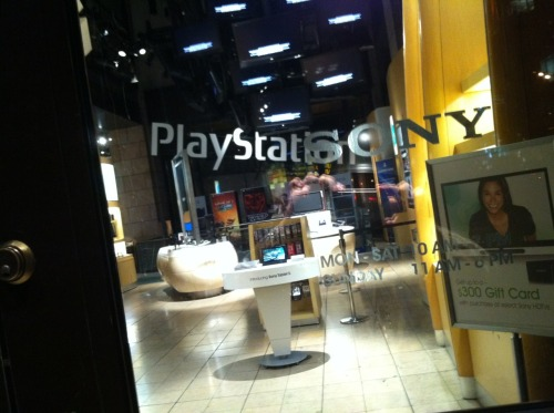 I forgot to post these. I went to the NYC Playstation Lounge midnight release of Uncharted 3 on Halloween night So much fun, met a lot of nice people who all loved video games as much as me (never had that before) :)