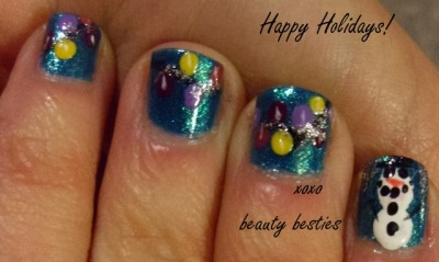 http://beautybesties.wordpress.com/2011/12/04/diy-snowman-and-lights-manicure/ another easy DIY holiday manicure - have fun xoxo