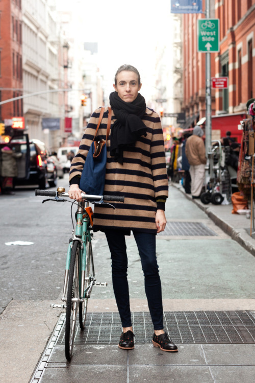 Gigi on Prince Street Gigi works at Madewell and since I love stripes, bikes, skinny jeans, big scarves, and brogues, her outfit is so perfect to me. So comfortable, so chic, so Sunday in Soho. www.thenycstreets.com Twitter Facebook