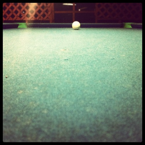 shoot the white ball #ball #shoot #white #pooltavle #iphonegraphy #puertorico  (Taken with Instagram at La Cueva Del Mar)