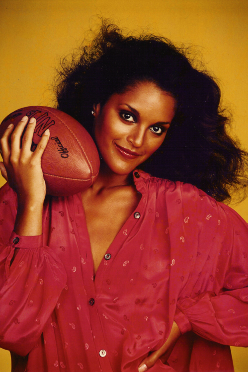 sky-rider-gal:  Jayne Kennedy, icon of her era  Easy….
