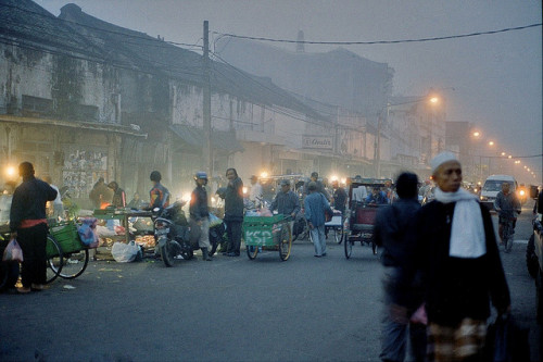 lovely mist on Flickr. Andir Market or Pasar Andir Bandung, Indonesia 5 am. This is basically a main road in Bandung, Indonesia, but every morning around midnight to 6 am become a traditional market.