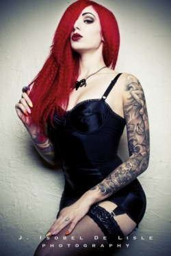 lead you astray - Cervena Fox