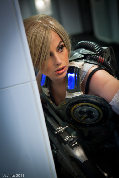 Anya Stroud from Gears of War 3  Cosplayer: Meagan Marie [Web | Facebook | Tumblr | Twitter]Photographer: LJinto
