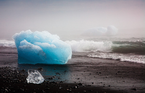 Iceland - Jökulsárlón: Ice Bay by John & Tina Reid on Flickr.