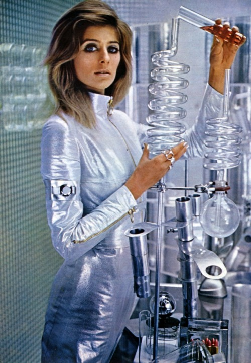 "scanzen:  Science fiction and space inspired women's fashion, 1967. From ""NOVA"", April 1967."