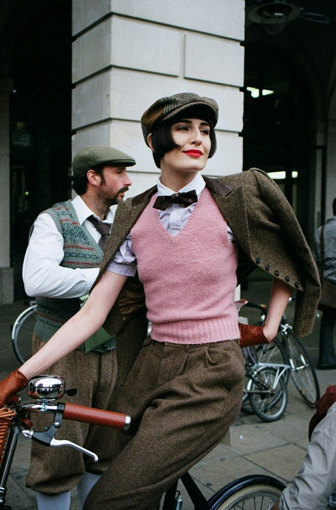 A Friend in Tweed is a Friend Indeed  i-D snapped our favourite pedlars at The London Rugby Tweed Run. Hold on to your hats!  i-Donline.com