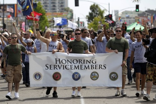 crazyridecalledlife:  US gay service members march in a gay pride parade for the first time ever. (Getty Images / Sandy Huffaker)