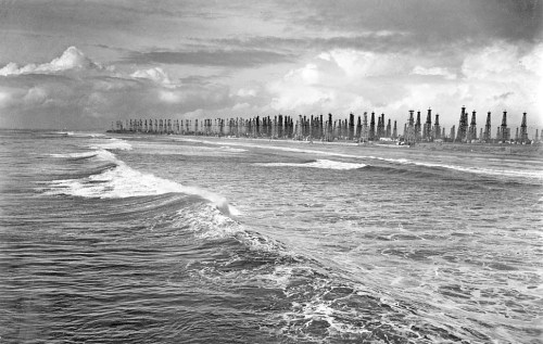 Jan. 28, 1940: The Huntington Beach coastline in 1940 was a forest of oil derricks. Oil discoveries in Huntington Beach, Long Beach and Santa Fe Springs in 1920 and 1921 drove massive drilling. View 130 photos for The Times' 130th birthday on Framework. Photo credit:	Ted Hurley / Los Angeles Times