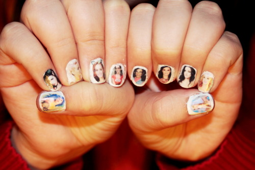 iheartkatyperry:   My Katy Perry nails (:  AMAZING!