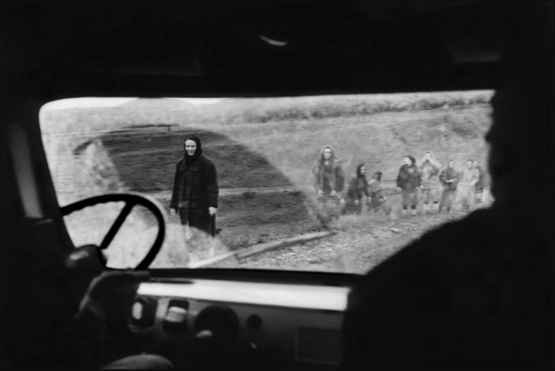 Stanley Greene. The road to Samashki in Chechnya, 1996.